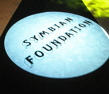 Symbian Foundation head resigns