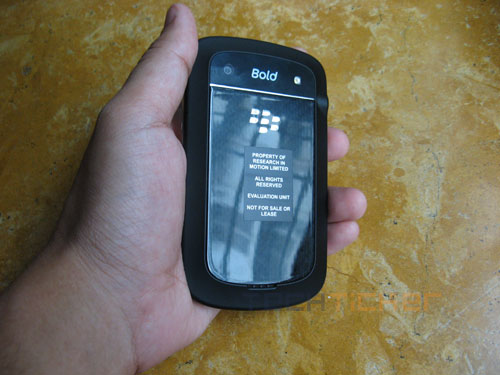 BlackBerry Bold 9900 Review
