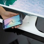 Samsung SE370 Monitor can charge smartphones wirelessly